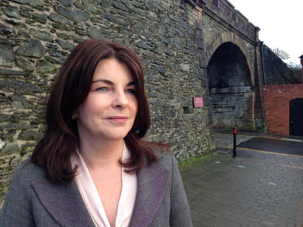 Derry SDLP Councillor Sinead McLaughlin calls for road resurfacing works