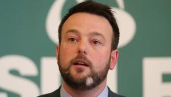Eastwood: British government must keep commitments on Irish language
