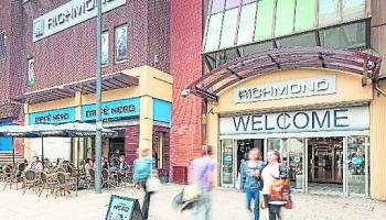 Boost for Derry shopping centre with opening of new fashion store