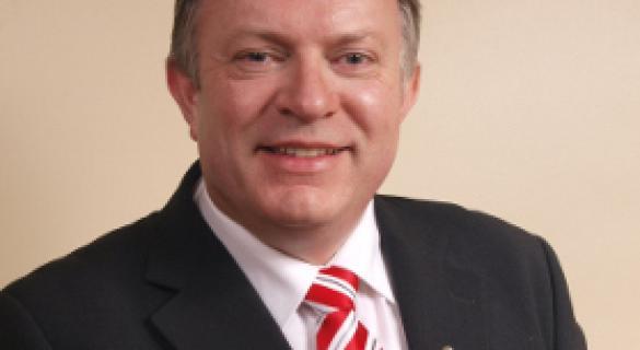 McGlone calls for 'urgent' street light action