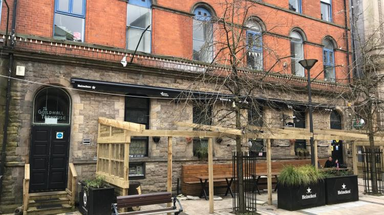 Planning permission granted for the extension of a landmark Derry pub into an adjoining building